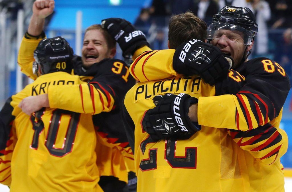 Deutschland steht im Finale, das bringt selbst harte Männer wie Moritz Müller oder David Wolf zum Weinen. Foto: dpa