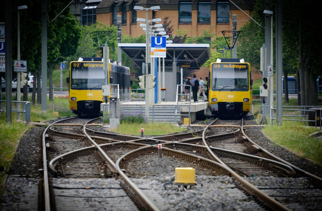 Der Mann hatte in einer Stadtbahn  der Linie  U2 ein Graffiti gesprüht.   (Symbolfoto) Foto:Lichtgut/Achim Zweygarth