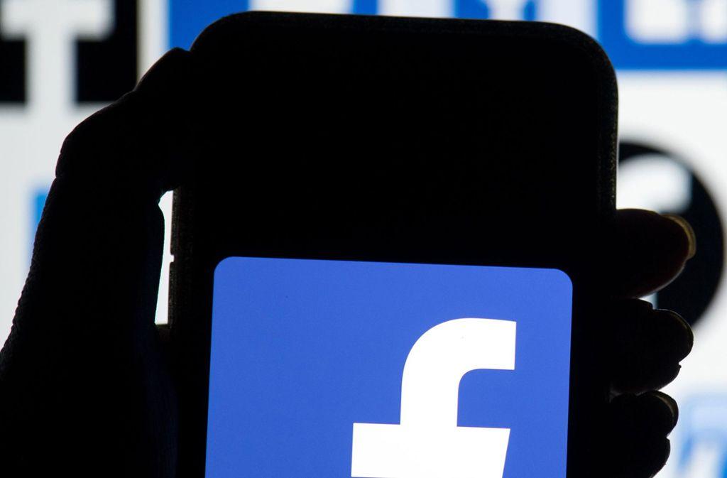 Facebook muss wegen eines Datenskandals tief in die Tasche greifen. Foto: Dominic Lipinski/PA Wire/dpa