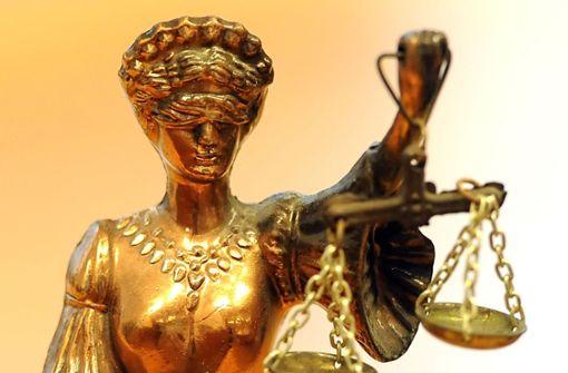 Ex-Partnerin mit Hammer und Messer getötet - lebenslange Haft