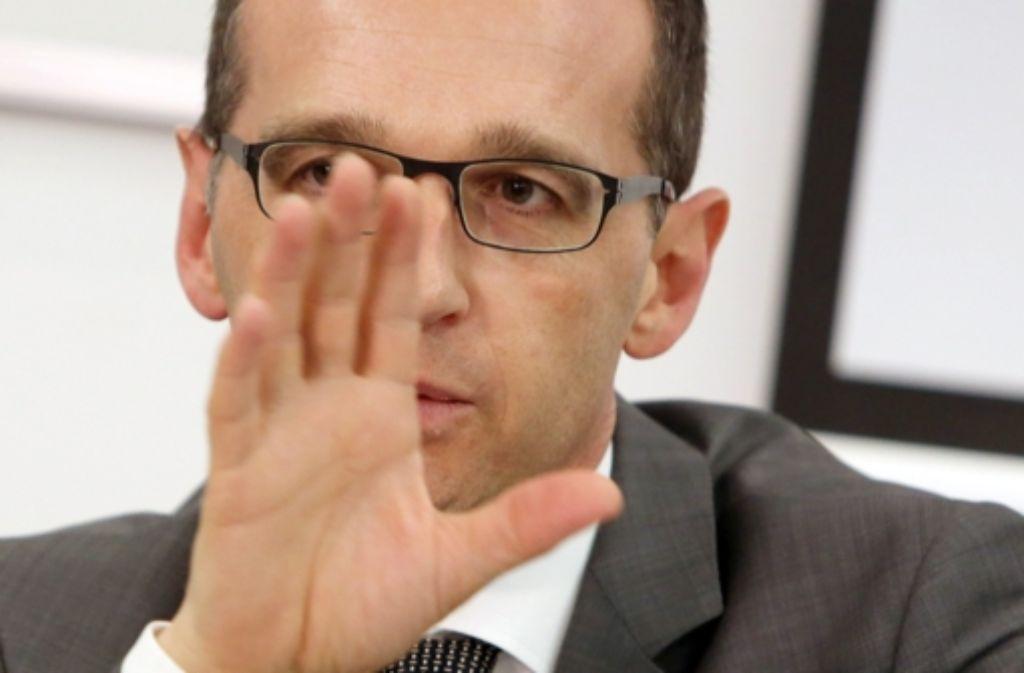 Bundesjustizminister Heiko Maas (SPD) will die unbefugte Herstellung von Nacktbildern und deren Verbreitung generell unter Strafe stellen. Foto: dpa