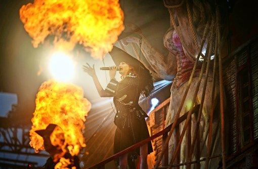 Andrea Berg singt trotz Brandverletzung