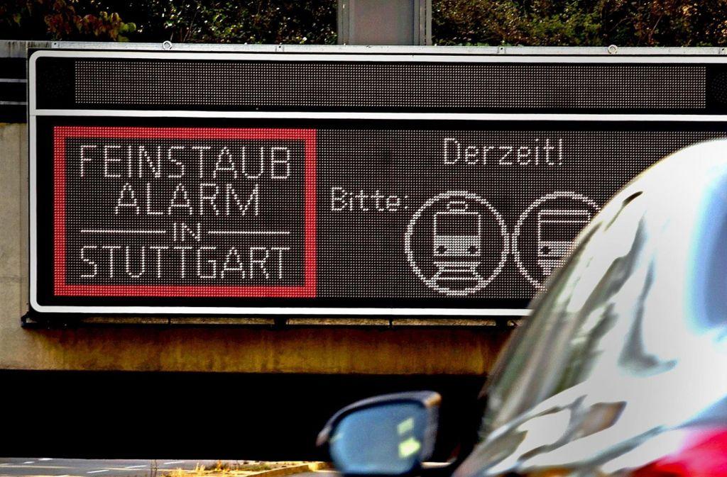 Eine Anzeige, die in Stuttgart wohl auch im kommenden Winter wieder aufleuchten wird. Foto: Lichtgut/Max Kovalenko
