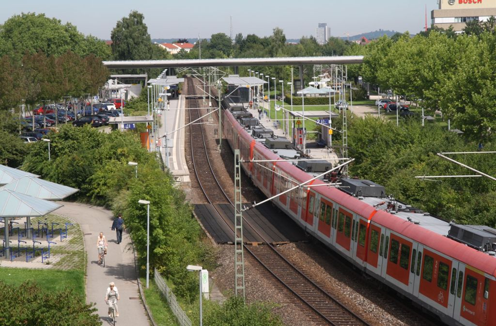Seit den 1990er Jahren wird geknobelt, wie die Altlasten aus dem Boden zwischen Schienen und Bahnhofstraße geholt werden könnten. Foto: Archiv Höhn