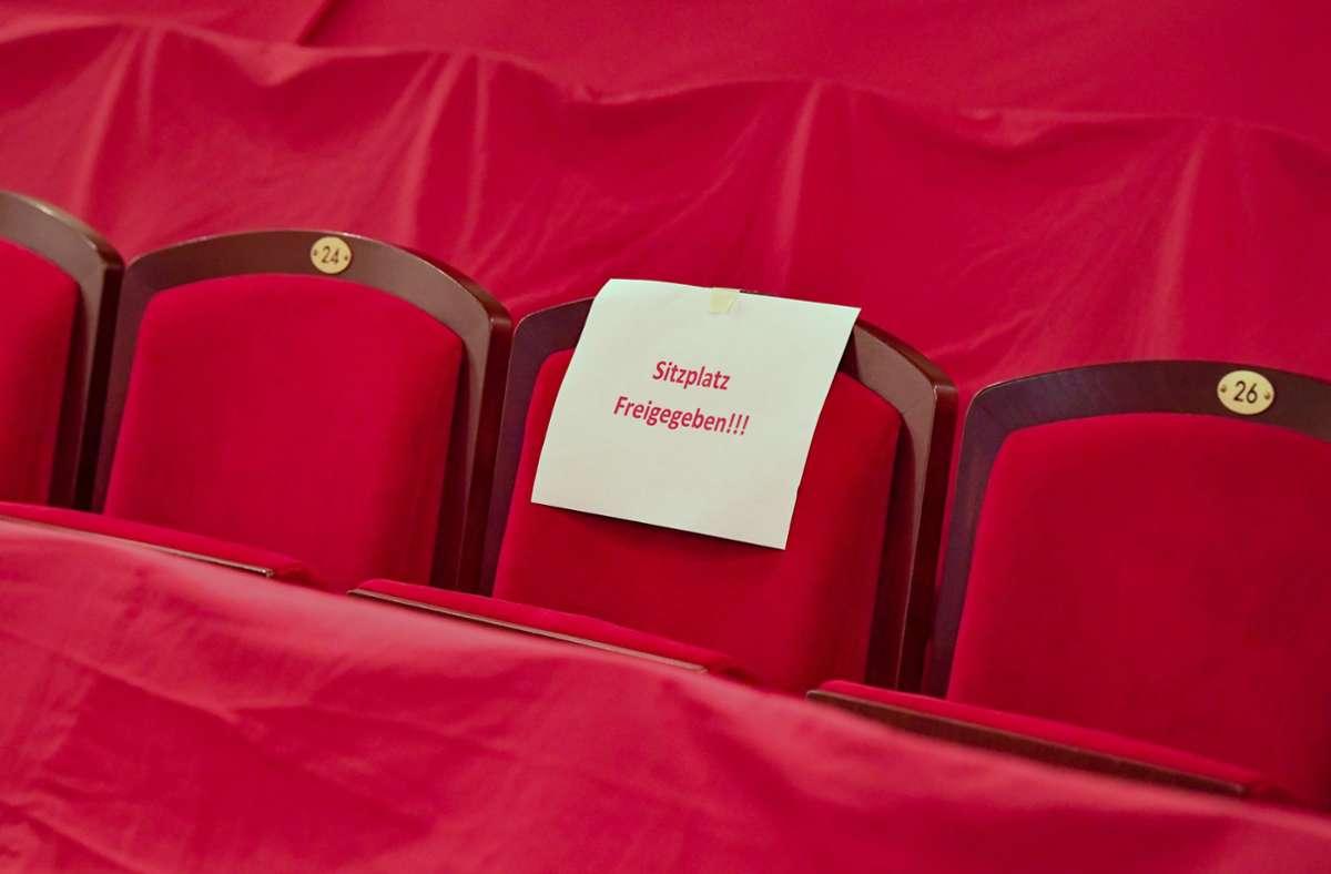 Trotz Hygienekonzepten bleiben die Theater weiterhin geschlossen. Foto: dpa/Patrick Pleul