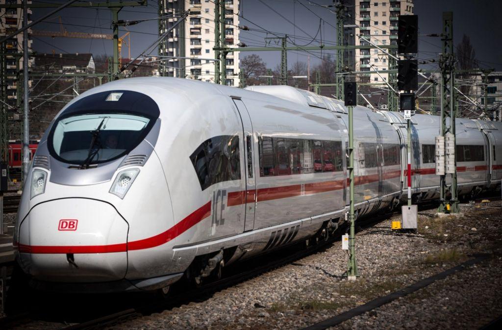 Ein ICE am Stuttgarter Bahnhof. Foto: Achim Zweygarth