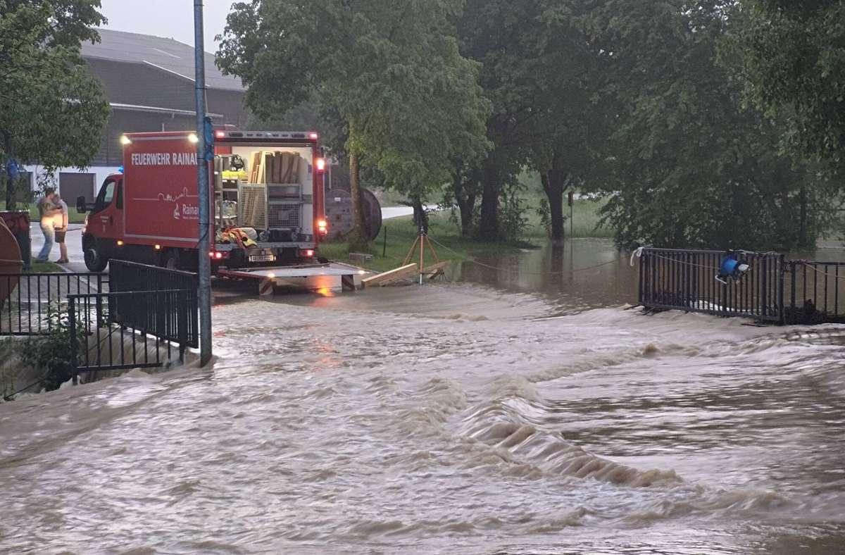 In Baden-Württemberg kam es an zahlreichen Orten zu Überschwemmungen (hier Rainau). Foto: imago images/onw-images/Markus Brandhuber