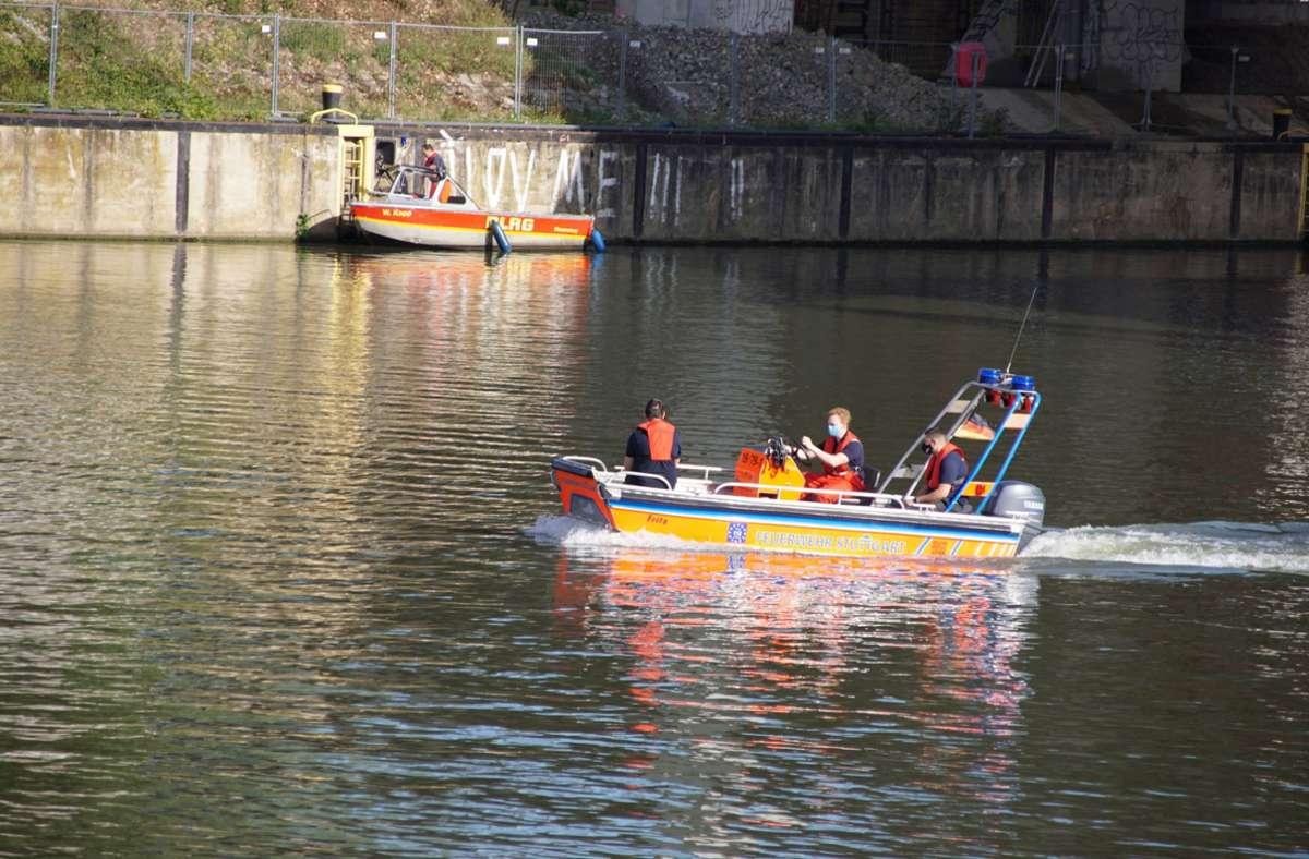Rettungskräfte suchten im Neckar nach dem Mann. Foto: 7aktuell.de/Andreas Werner