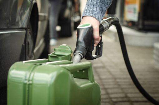 Wie viel Benzin darf man aus Nachbarländern mitbringen?