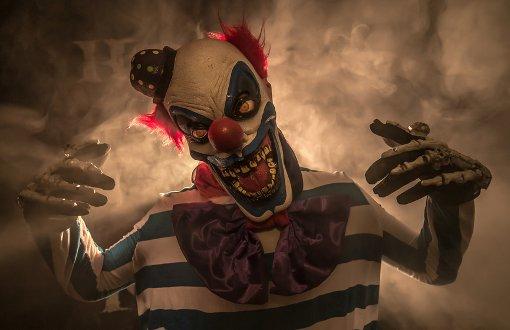 27.8.: Fahnder suchen bewaffneten Clown