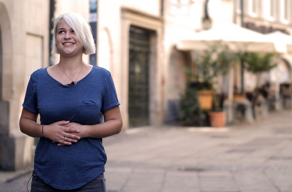 """""""Warum verirrt sich beim Oktoberfest immer noch jede zweite Hand unter einen Dirndlrock?"""", fragt sich Poetry-Slammerin Laura Gommel ein Jahr nach der MeToo-Debatte. Foto: Jansen"""