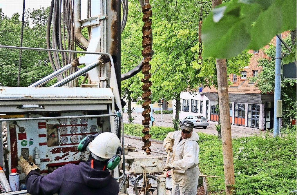 Ein Bohrer arbeitet sich  Stück für Stück in den  Untergrund vor. Foto: factum/Granville