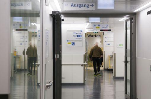 Patient attackiert Klinikärztin mit Messer