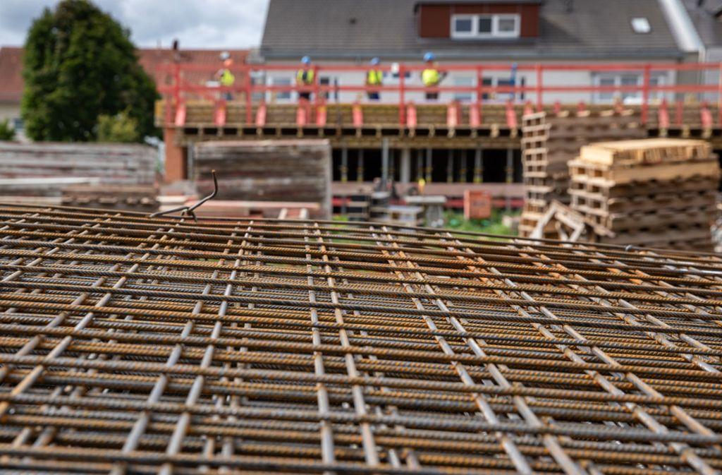 Die Kreisbaugruppe versucht dem Wohnungsmangel im Rems-Murr-Kreis zu begegnen – wie hier in Weinstadt, wo momentan neue Wohnungen entstehen. Foto: Frank Eppler