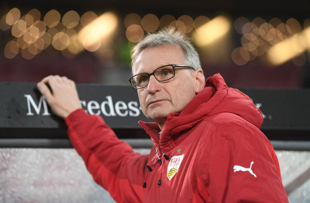Sportvorstand Michael Reschke will die Partie gegen Wolfsburg mit Trainer Wolf planen. Foto: dpa