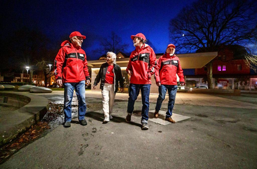 Vier  Bürger im Einsatz (von links): Dieter Nickel, Heidi Gröger, Manfred Leichnitz und Walter Schwarz. Foto: Gottfried Stoppel
