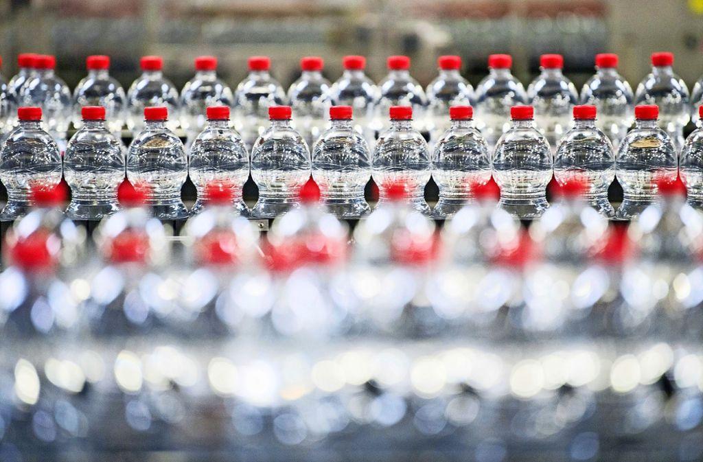 Bei einzelnen Mineralwassern kommen die liefernden Unternehmen nicht hinterher. Foto: dpa