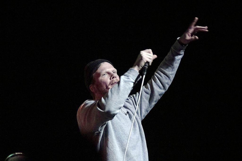 Sweatshirt nice, Reime fly: Dexter im Theater Rampe am Samstag. Weitere Bilder zeigt die Fotostrecke. Foto: Jan Georg Plavec