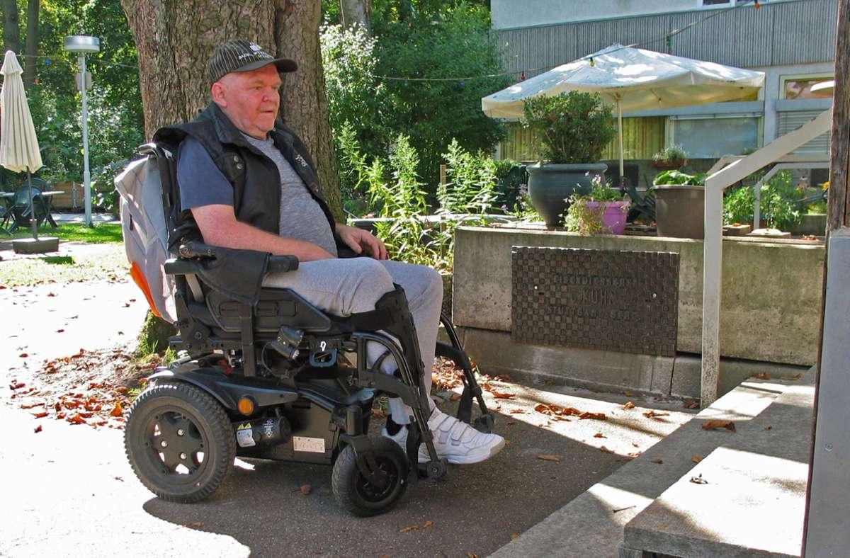 Heinrich Radke ist auf den Rollstuhl angewiesen. Foto: Susanne /üller-Baji