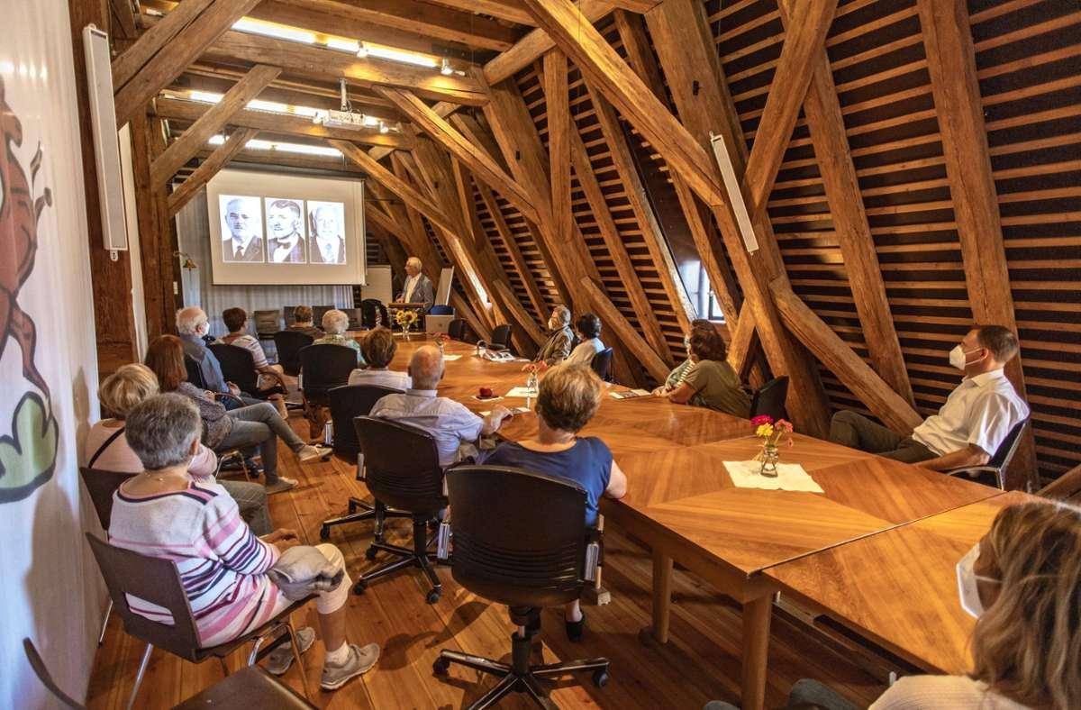 Das Neue Schloss in Rechberghausen ist heute das Rathaus. Beim Tag des offenen Denkmals  wurde seine Geschichte lebendig. Foto: Staufenpress
