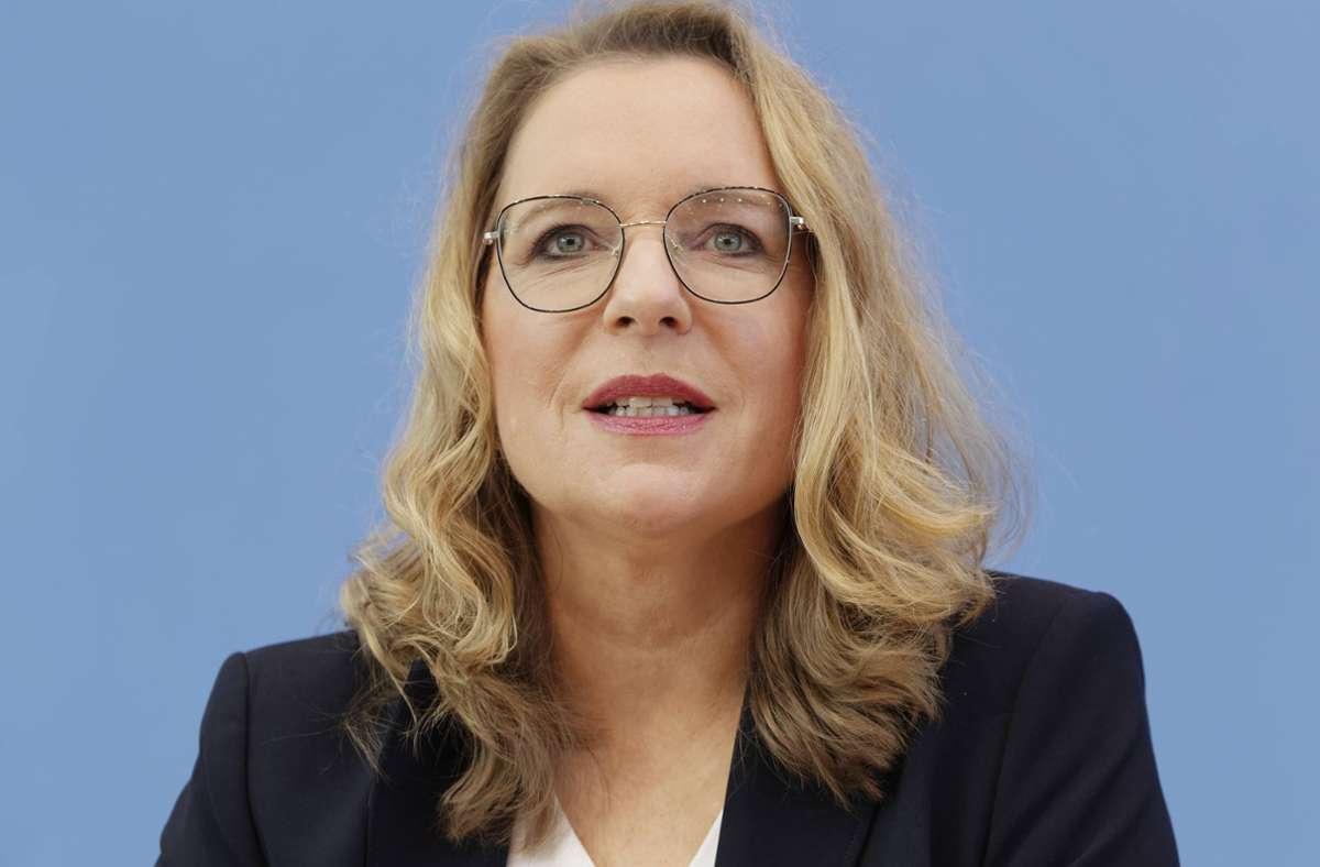 Claudia Kemfert ist Klimaökonomin beim DIW in Berlin – und befasst sich seit Jahren mit den Kosten der Energiewende. Foto: imago/Jürgen Heinrich