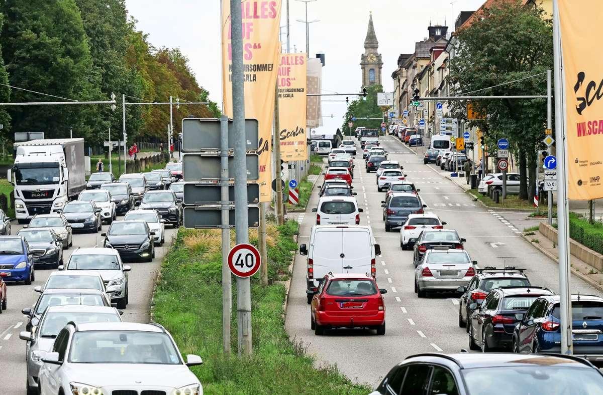 Dauerstau und dicke Luft im Berufsverkehr:   Die Schlossstraße ist die neue Problemzone in Ludwigsburg. Foto: factum/Simon Granville