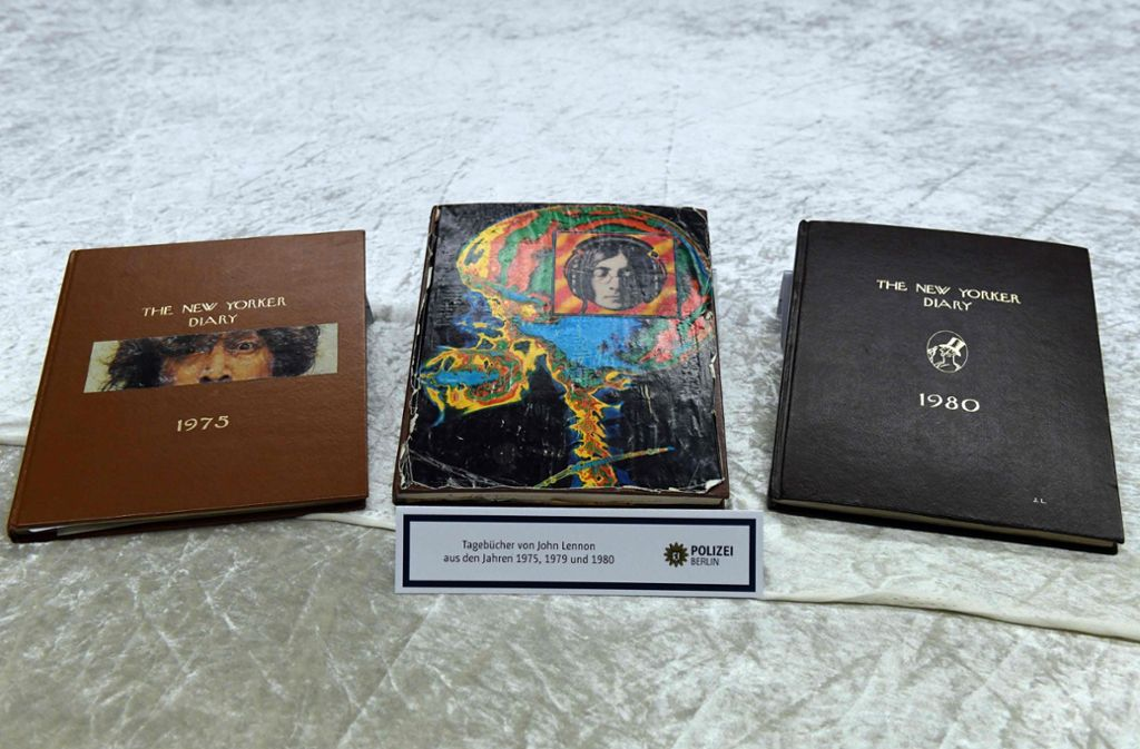 Gestohlene Tagebücher des früheren Beatles John Lennon wurden von einem Mann einem Berliner Auktionshaus angeboten. Foto: dpa