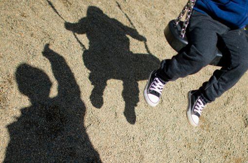 Wie Kinder auf Fremde reagieren sollen