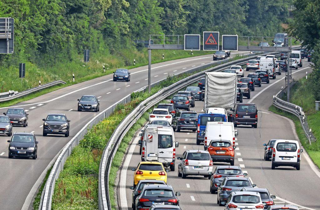 Stau auf der B27 – inzwischen vergeht schier kein Tag mehr, an dem der Verkehr auf der Bundesstraße nicht stockt. Foto: Archiv Thomas Krämer