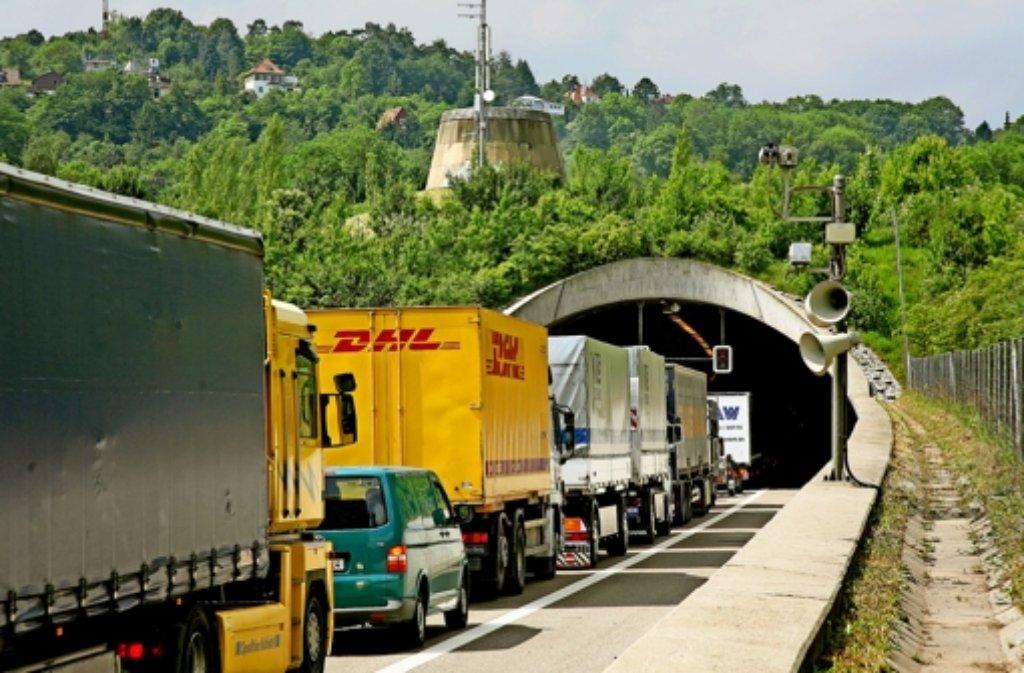Etwa 80 000 Fahrzeuge nutzen täglich den Engelbergbasistunnel. Foto: FACTUM-WEISE