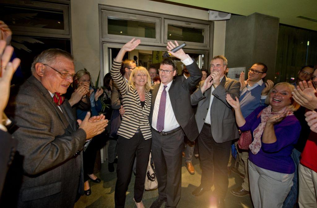 Karin Maag und Stefan Kaufmann  bejubeln 2013 ihren Wahlsieg. Foto: Martin Stollberg
