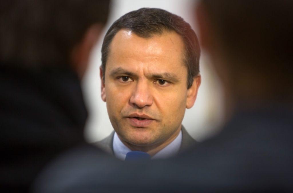 Der ehemalige SPD-Politiker Sebastian Edathy soll sich auch strafbares kinderpornografisches Material über das Internet beschafft haben. Foto: dpa-Zentralbild