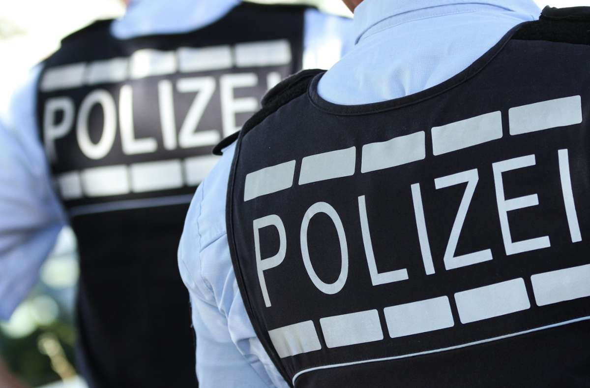 Die Polizei sucht nach dem Vorfall in Bad Cannstatt Zeugen. Foto: dpa/Silas Stein