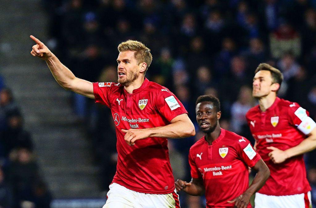 Simon Terodde und der VfB Stuttgart wollen in die 1. Bundesliga aufsteigen. Foto: Baumann