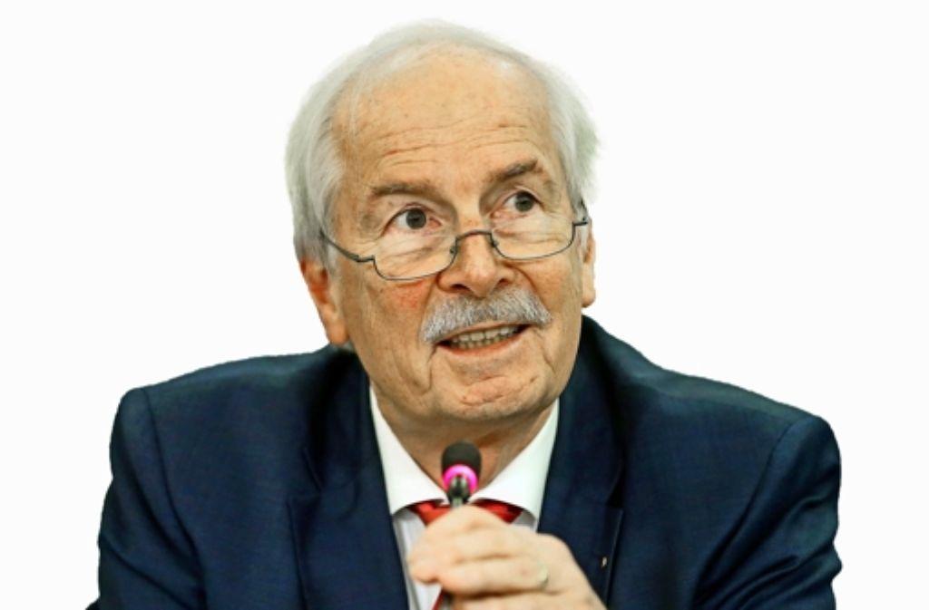 Harald Range wirft dem Justizminister vor, die Justiz zu behindern Foto: dpaMontage: Miller