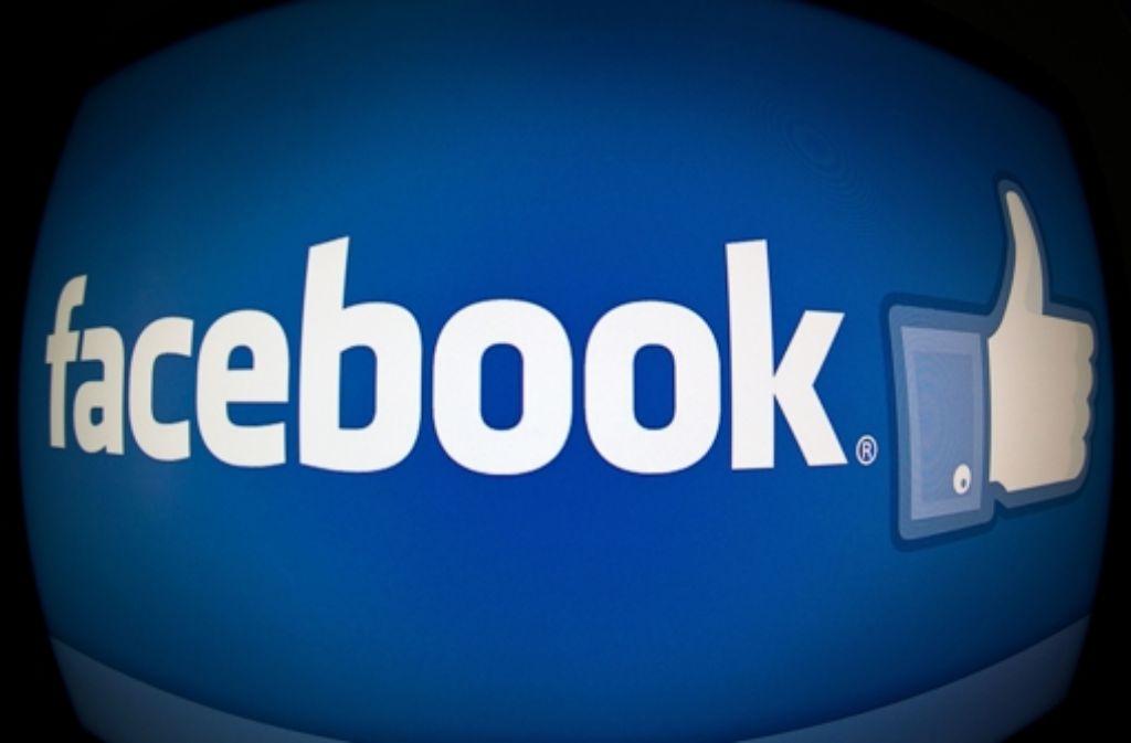 Schlankheitspillen, Flirtpartner, Bingo – warum will Facebook mich damit locken? Foto: AFP