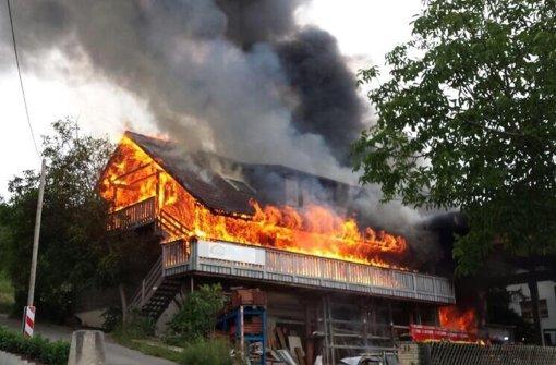 Brand in Zimmerei nach Gewitter