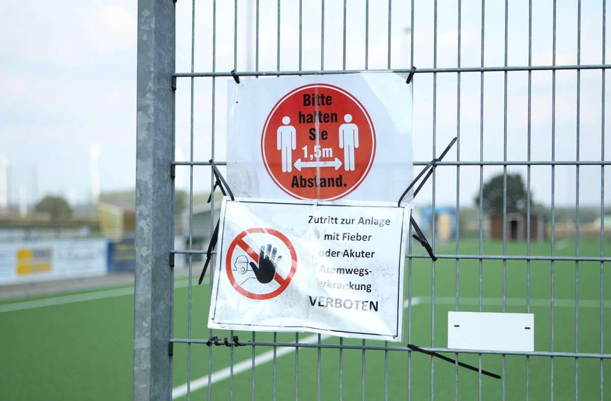 Die Spieler der SG Ripdorf/Molzen II hielten Sicherheitsabstand zu ihren Gegnern. (Symbolbild) Foto: imago images/Hanno Bode
