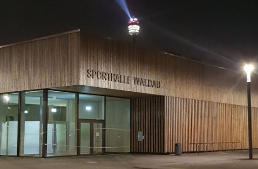 Wasserschäden in neuer Sporthalle