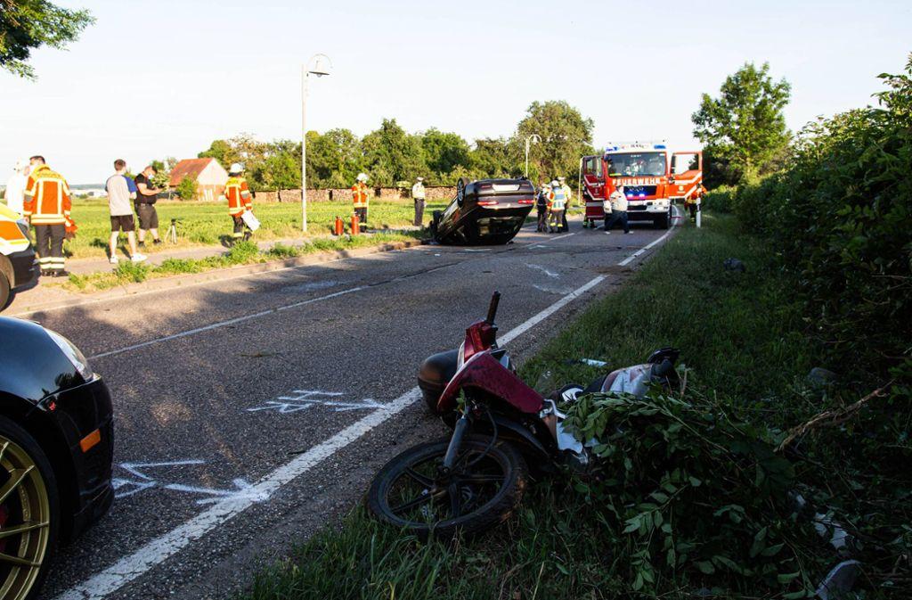Bei dem Unfall auf der L1107 bei Bönnigheim werden zwei Rollerfahrer schwer verletzt. Foto: 7aktuell.de/ JB/7aktuell.de | JB