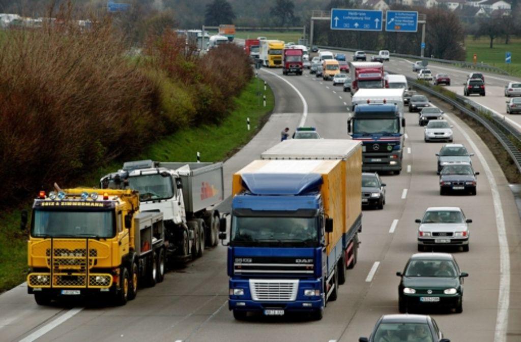 Die Autobahn 81 zwischen Stuttgart-Zuffenhausen und Ludwigsburg hat vom Land eine hohe Ausbaupriorität bekommen. Foto: Michael Steinert