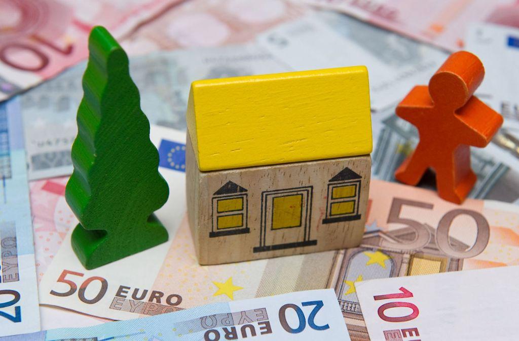 Hausbesitzer müssen  Grundsteuer zahlen. Das betrifft auch Mieter. Foto: dpa