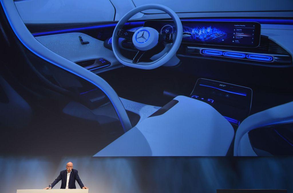 Am Dienstag hat der Stuttgarter Konzern seine Zusammenarbeit mit dem Fahrdienst Uber angekündigt. Über die Uber-App können Nutzer künftig Robotertaxen von Mercedes-Benz mieten. Foto: AFP
