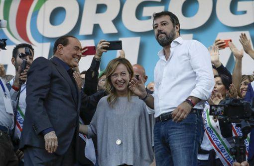 Salvini schart seine Truppe hinter sich