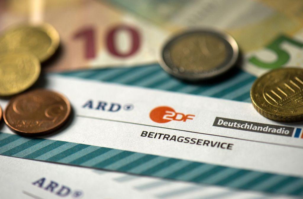 Jeder Haushalt in Deutschland muss für ARD und ZDF zahlen. Das ärgert viele. Foto: dpa