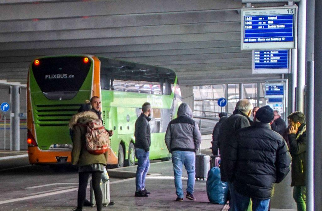 Auch Busreisende sollen von der Steuersenkung profitieren. Foto: dpa/Frank Dettenmeyer