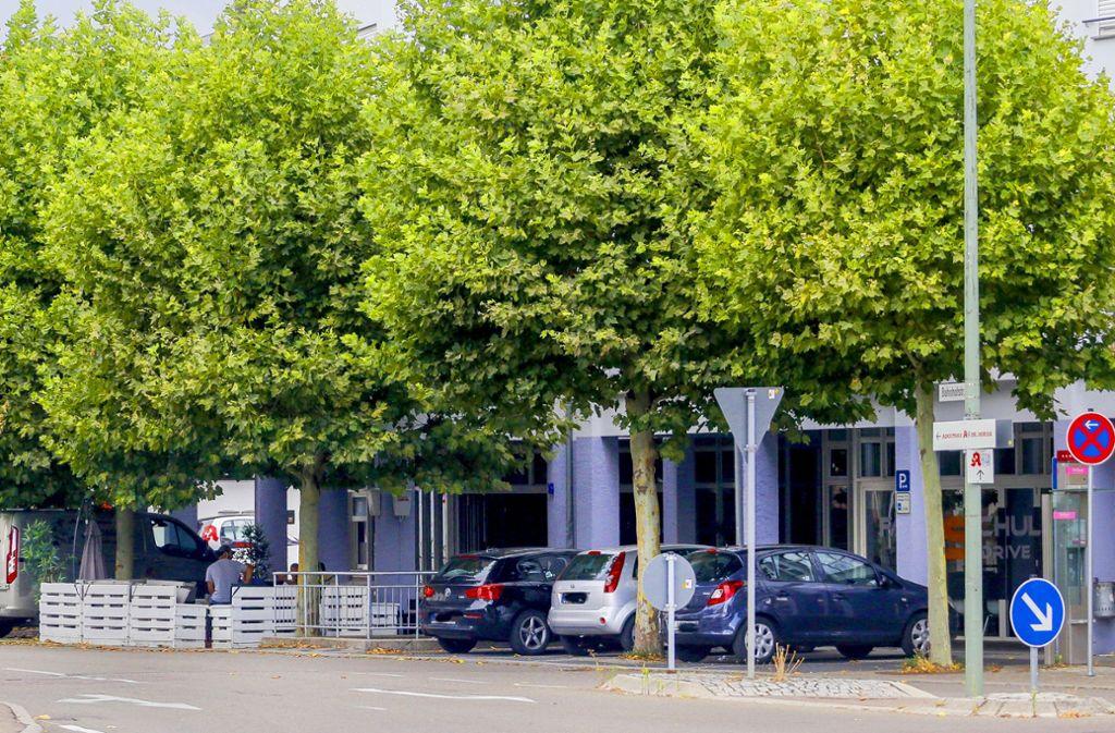 Auf eine Shisha-Bar in der Asperger Bahnhofstraße ist im Februar 2017 geschossen worden, der Fall wird jetzt vor dem Stuttgarter Landgericht verhandelt. Foto: factum/Granville