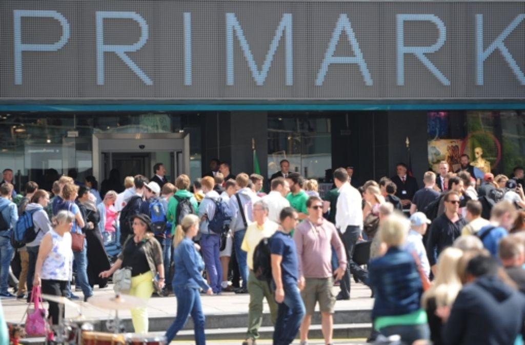 Der Modekonzern Primark eröffnet weitere Filialen. Foto: dpa