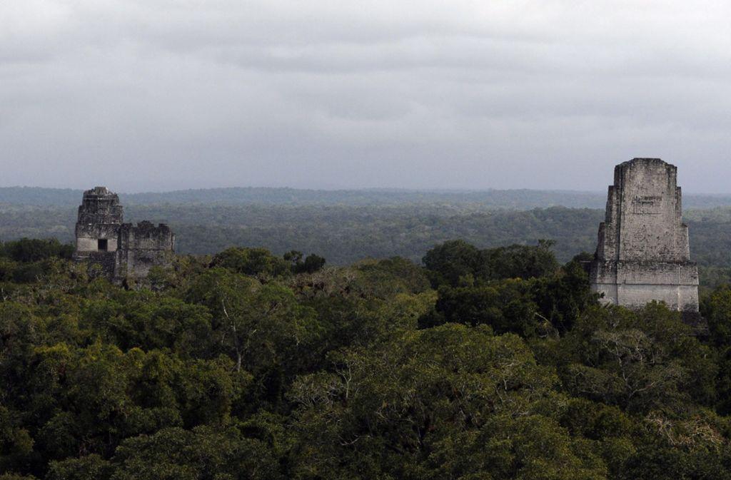 Die  antike Maya-Stadt Tikal liegt inmitten von  Regenwäldern im nördlichen Guatemala. Sie war eine der bedeutendsten Orte der klassischen Maya-Periode (3. bis 9. Jahrhundert) und ist eine der am besten erforschten Maya-Städte. Foto: Sandra Sebastian/EFE/dpa