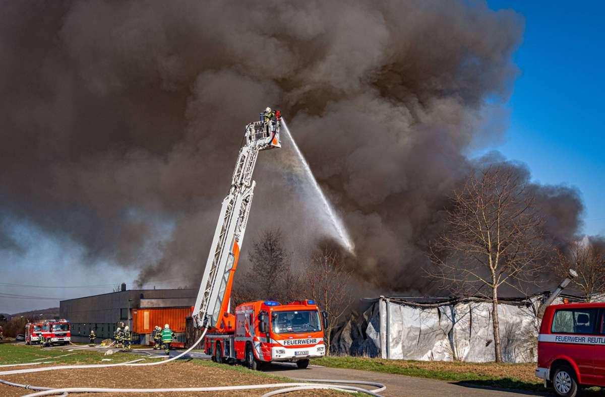 Die Feuerwehr war bis in die Nacht im Einsatz. Foto: 7aktuell.de/Moritz Bassermann